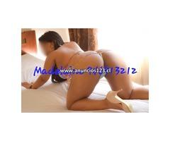 Diosa encantadora en la cama 946913212